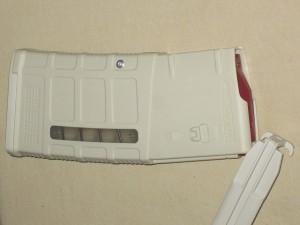 10/25 Magpul Window M118LR 7.62 SAND Front Rivet PMAG